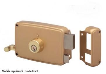 Serrure horizontale en applique à tirage et cylindre rond pêne et 1/2 tour.